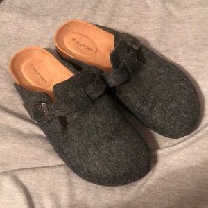 NWOT MAURICES SLIP ONS